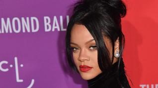 Rihanna Dongkol Ditagih Album Baru oleh Netizen