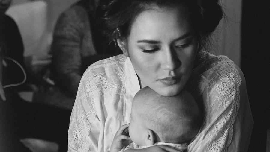 Penyebab Baby Blues yang Pernah Dialami oleh Raisa