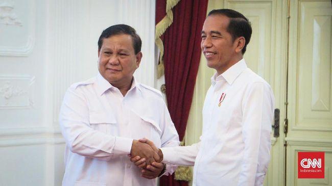 Presiden Joko Widodo menerima Ketua Umum Partai Gerindra Prabowo Subianto di Ruang Jepara, Istana Merdeka, Jakarta, Jumat (11/10).