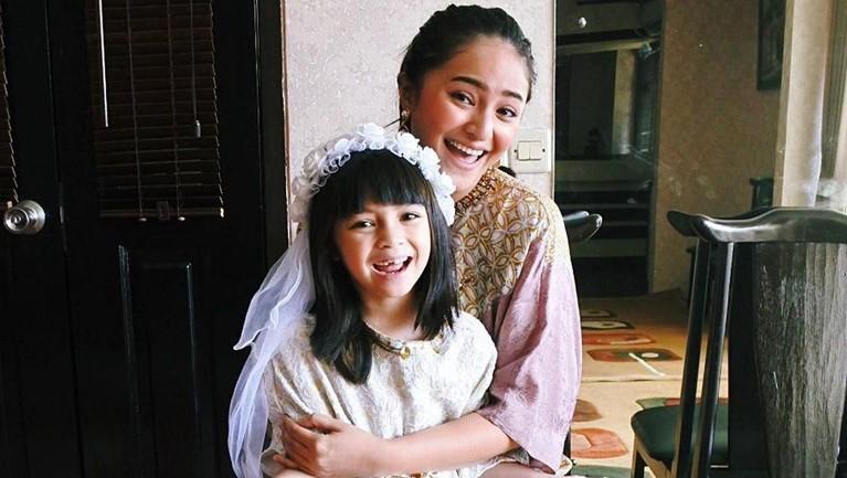 11 Oktober diperingkat sebagai Hari Anak Perempuan Dunia. Berikut Insertlive merangkau enam anak perempuan artis yang menjadi korban perceraian orang tuanya.