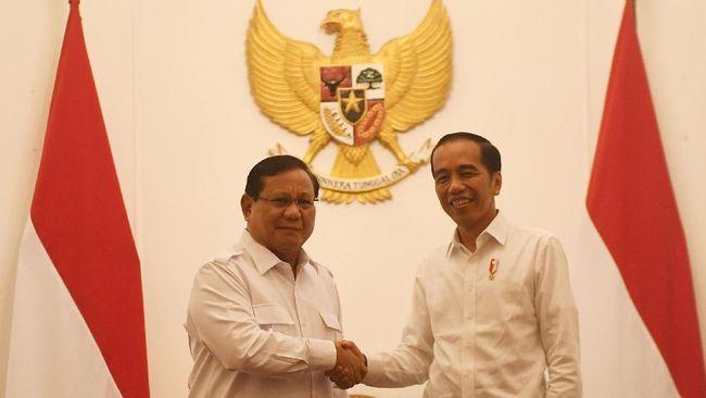 Direktur Eksekutif Indo Barometer Muhammad Qodari mengusulkan agar Jokowi berpasangan dengan Prabowo Subianto pada Pilpres 2024.