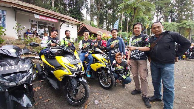 Berbagai komunitas pengguna skuter matik MAXI Yamaha di Jawa Barat dan Jakarta bakal menyerbu Bandung, Jawa Barat mengisi kegiatan tahunan MAXI Yamaha Day.