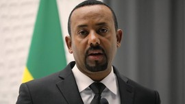 Abiy Ahmed, Mantan Intel Peraih Nobel