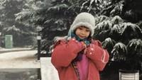 Aktris pemeran film Perempuan Tanah Jahanam ini sejak kecil sudah bisa bergaya di depan kamera. (Foto: Instagram @tarabasro)