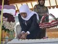Sambut HUT Jatim, Khofifah Ziarah ke Makam Gubernur Pertama