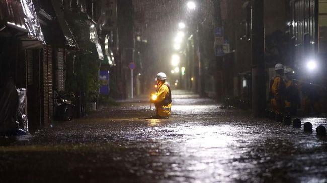 Pusat kota Tokyo biasanya dilanda angin topan kecil, sementara kawasan pegunungan dan pesisir didatangi topan lebih besar.