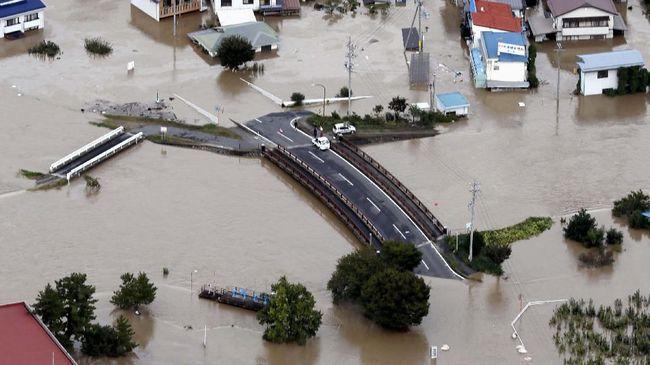 BMKG menyatakan topan Hagibis kini tengah bergerak meninggalkan daratan Jepang dan tak memengaruhi cuaca Indonesia.
