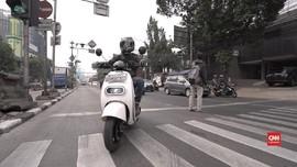 VIDEO: Jajal Motor Listrik Legal di Jalanan Jakarta
