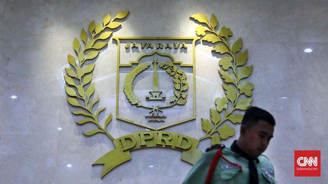 Pansus DPRD DKI sudah menggelar rapat dengan Bappeda dan Dinas SDA untuk membahas kebijakan penanganan banjir Jakarta.