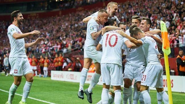 Euro 2020 (Euro 2021) jadi momen tepat bagi Robert Lewandowski untuk memperbaiki rekor Polandia di turnamen sepak bola Eropa.