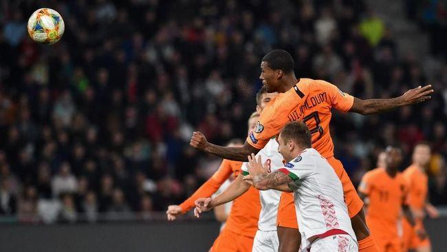 Timnas Belanda menang tipis 2-1 atas Belarusia dalam lanjutan laga Grup C Kualifikasi Piala Eropa 2020 di Stadion Dynama, Senin (14/10) dini hari WIB.