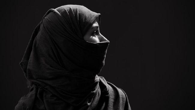Muslim woman in hijab