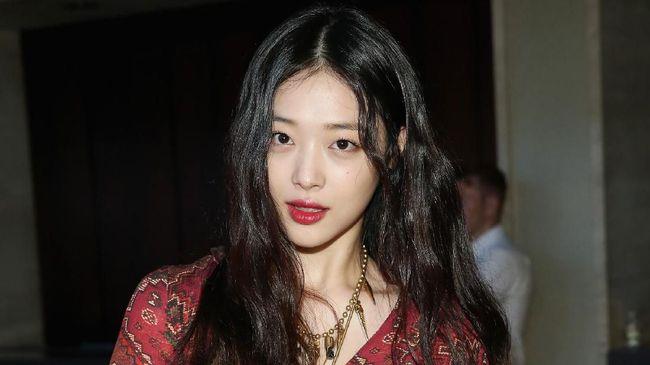 Sepanjang 2019, industri hiburan Korea Selatan diwarnai berbagai kabar, mulai dari kencan, berpisah, kasus hukum, hingga kabar duka.