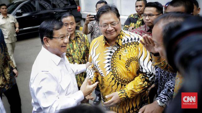 Ketum Golkar Airlangga Hartarto mendatangi kediaman Ketum Gerindra Prabowo Subianto. Banyak hal yang dibahas terkait politik.
