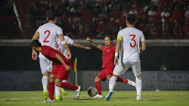 Pelatih timnas Vietnam Park Hang-seo menganggap tidak sopan untuk membicarakan kondisi Simon McMenemy yang didesak mundur dari kursi pelatih Timnas Indonesia.