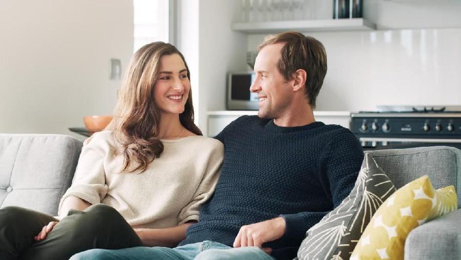 Zodiak: Virgo Manjakan Suami, Scorpio Seimbangkan Karier & Keluarga