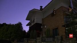 VIDEO: Polisi Lakukan Penyelidikan di Rumah Sulli f(x)