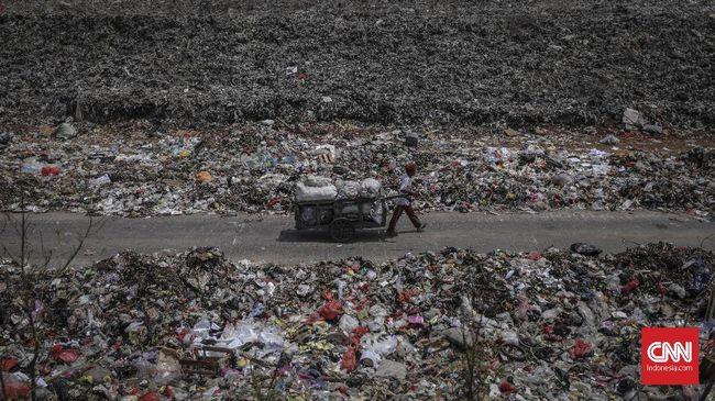 KLHK mengklaim sudah membuat regulasi agar masyarakat mulai sadar untuk tidak langsung membuang sampah ke TPA, melainkan ke tempat daur ulang.