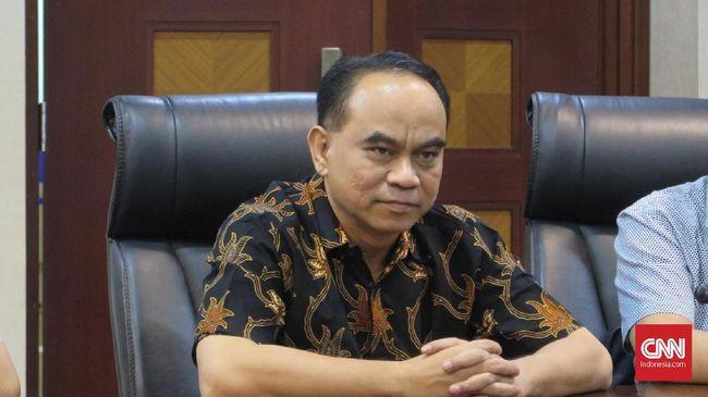 Ketum relawan Pro Jokowi (Projo) Budi Arie Setiadi mengakui banyak rayuan dari pihak lain untuk mendukung mereka di pemilihan presiden (Pilpres) 2024