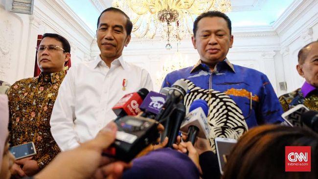 Ketua MPR Bambang Soesatyo mengklaim kemungkinan kecil ada penumpang gelap untuk mengubah pasal masa jabatan presiden di UUD '45.