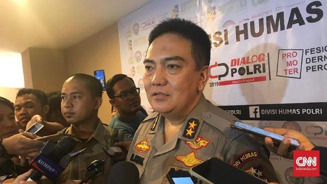 Densus 88 Antiteror Polri diterjunkan ke Medan untuk menangani serangan bom bunuh diri di Mapolrestabes Medan.
