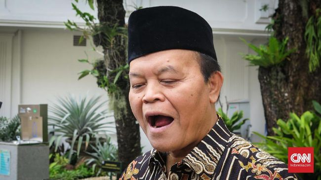 Petinggi PKS Hidayat Nur Wahid tak mempermasalahkan Prabowo Subianto yang akhrinya merapat ke Istana Jokowi dan bertemu Jokowi jelang pengumuman menteri.
