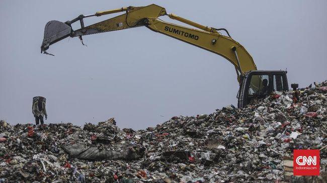 Ikatan Pemulung Indonesia (IPI) mengungkapkan larangan penggunaan plastik di beberapa daerah justru bisa menurunkan pendapatan pemulung.