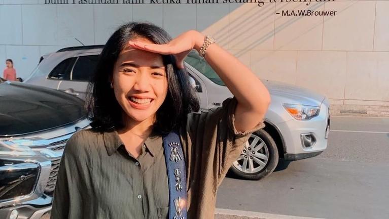 Ini dia sosok Puteri Anetta Komarudin, anggota DPR muda yang punya kekayaan fantastis.