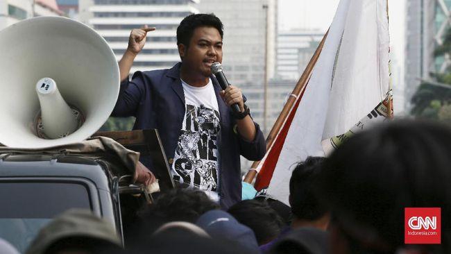 Aksi unjuk rasa menuntut penerbitan Perppu KPK yang dilakukan BEM-SI, Kamis (17/10), bubar secara tertib sekitar pukul 17.00 WIB.