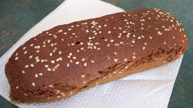 Roti Gambang khas Betawi masuk dalam daftar 50 Roti Terbaik di Dunia versi CNN bersama dengan baguette dari Prancis, ciabatta dari Italia, Karavai khas Rusia.