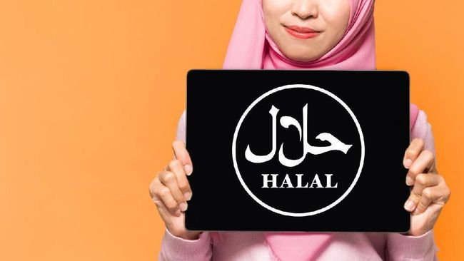 Presiden Joko Widodo menggandeng ormas Islam berbadan hukum dalam sertifikasi halal pada draf RUU Cipta Kerja.