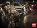 FOTO: Jakarta, Starling, dan Kopi Seduh Gelas Plastik