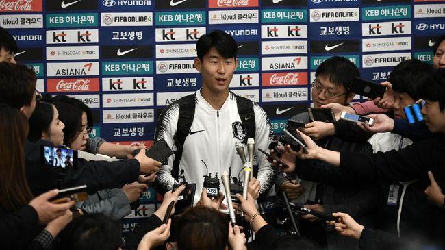 Son Heung Min dijadwalkan pihak Tottenham Hotspur kembali ke London pada akhir Mei 2020 usai menjalani wajib militer empat pekan.