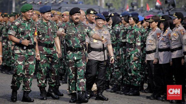 Pemerintah tidak menutup opsi penunjukan perwira tinggi TNI dan Polri sebagai penjabat (Pj) kepala daerah menjelang Pilkada Serentak 2024.