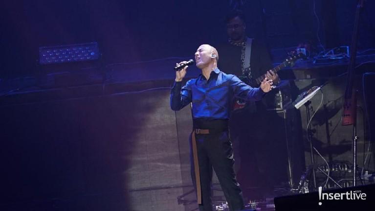 Pada konser kali ini Marcell menyanyikan beberapa lagu yang tidak pernah dinyanyikan di konser sebelumnya.