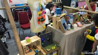 <p>Ada juga mainan-mainan edukasi yang bisa si kecil coba dan Bunda beli di sini.</p>