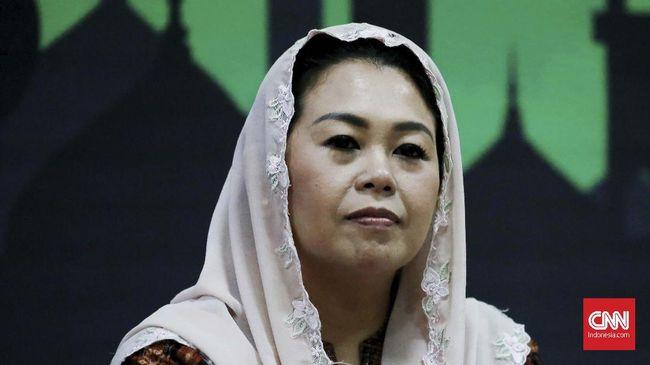 Putri Presiden ke-4 RI Gus Dur, Yenny Wahid meminta orang-orang tak mudah memberi cap radikal pada santri yang menutup telinga saat mendengar musik.