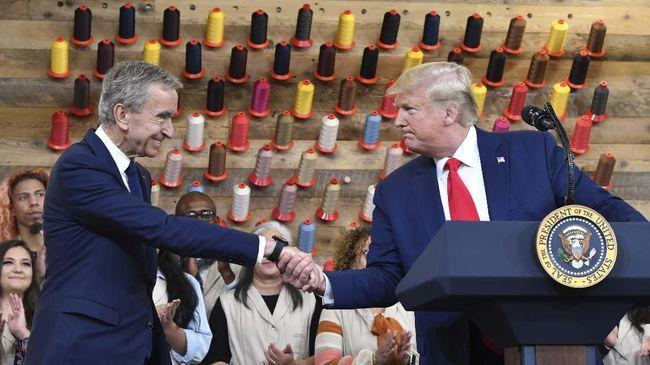 Louis Vuitton mendapatkan ancaman pemboikotan karena mengundang Trump dalam pembukaan pabrik terbaru mereka.