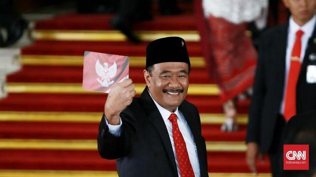 Politikus PDIP menyinggung kasus dugaan penyelewenangan anggaran MTQ, terkait keputusan Wali Kota Medan Akhyar Nasution membelot dari PDIP ke Demokrat.