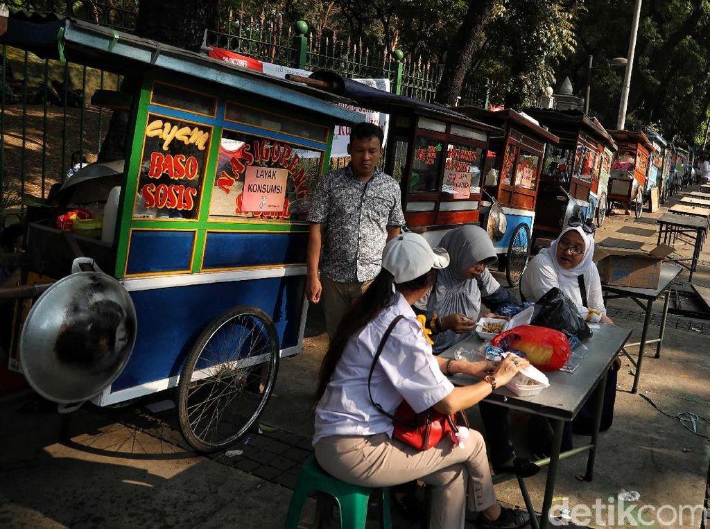 Ini Potret PKL Gratis di Medan Merdeka Barat saat Pelantikan Presiden