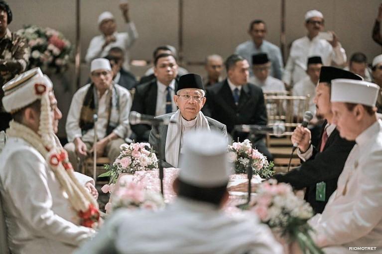 Pernikahan Tsamara dan Ismail berlangsung pada Sabtu (19/10). Wakil Presiden Indonesia, KH Ma'ruf Amin pun turut hadir menjadi saksi pernikahan mereka.