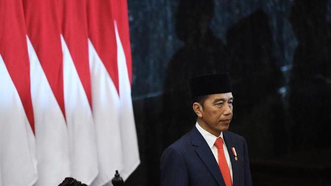 Presiden Jokowi usai dilantik bertekad meningkatkan produk domestik bruto Indonesia naik menjadi US$7 triliun pada 2045.