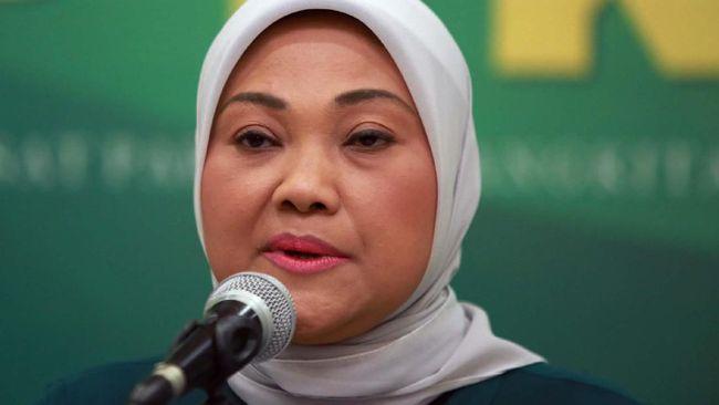 Menaker Ida Fauziyah menyatakan subsidi upah di tengah corona langsung ditransfer ke rekening pekerja bergaji di bawah Rp5 juta, tanpa melalui perantara.