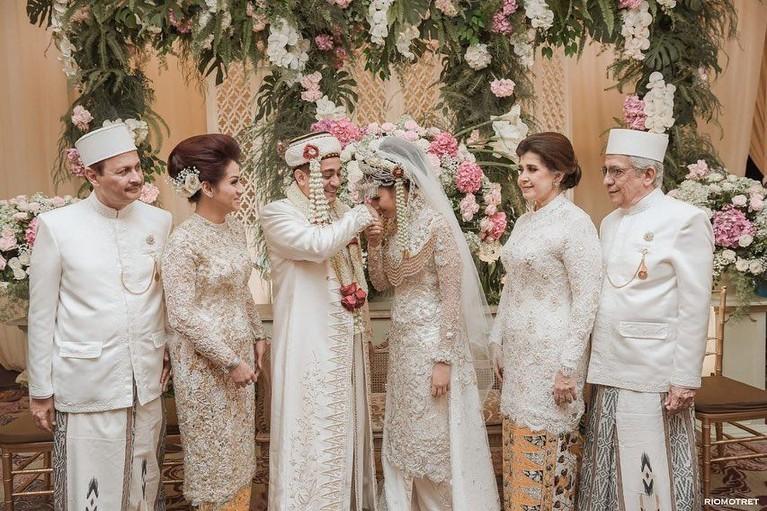 Sah, Tsamara resmi menyandang status barunya sebagai istri Ismail Fajrie Alatas.