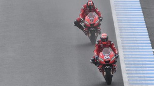 Dovizioso Ribut dengan Petrucci di MotoGP Aragon