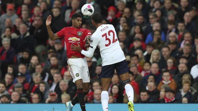 Manchester United (MU) kesulitan untuk mengukir prestasi di Liga Inggris sejak kepergian pelatih legendaris Sir Alex Ferguson.