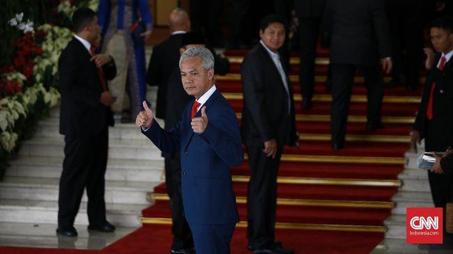 Kalangan buruh menyatakan dukungan terhadap Gubernur Jawa Tengah Ganjar Pranowo yang digugat ke PTUN oleh Asosiasi Pengusaha Indonesia karena menaikkan UMP.