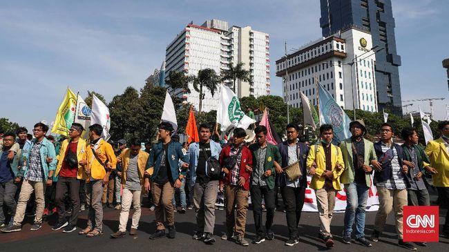 Sumber CNNIndonesia.com menyebut setiap pimpinan diberi tugas mencatat dan mengendalikan bawahannya masing-masing agar tidak terlibat demo.