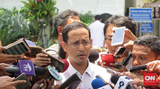 CEO Gojek Nadiem Makarim usai bertemu Presiden Joko Widodo, di Kompleks Istana Kepresidenan Jakarta, Senin (21/10).