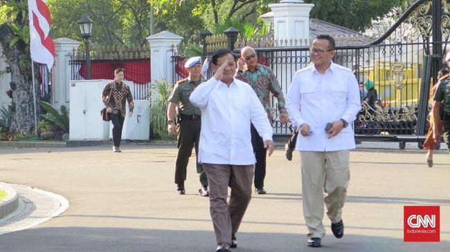 Prabowo Subianto dan Wakil Ketua Gerindra Edhy Prabowo ke Istana Negara mengenakan kemeja putih. Dia enggan menjawab pertanyaan wartawan soal kursi menteri.